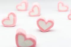 San Valentino dei cuori della caramella gommosa e molle su fondo bianco Fotografia Stock