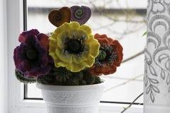 San Valentino, prodotti fatti a mano da feltro immagini stock libere da diritti