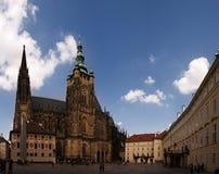 San Vito fyrkant i den Prague slotten Arkivbild