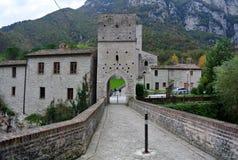 San Vittore abbotskloster, Marche, Genga, Italien Royaltyfri Bild