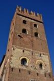 San Zeno Abbey torn i Verona Royaltyfria Bilder