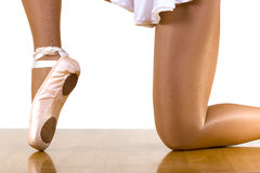 Séance d'entraînement de ballet sur un genou Photos libres de droits
