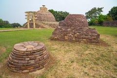 Sanchi Stupa, старое буддийское здание, тайна вероисповедания, высекло камень Назначение перемещения в Madhya Pradesh, Индии Стоковая Фотография RF