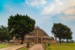 Sanchi Stupa, старое буддийское здание, тайна вероисповедания, высекло камень Назначение перемещения в Madhya Pradesh, Индии Стоковое Изображение RF