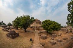 Sanchi Stupa, costruzione buddista antica, mistero di religione, ha scolpito la pietra Destinazione di viaggio in Madhya Pradesh, fotografia stock