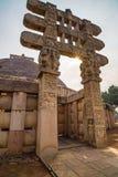 Sanchi Stupa, Madhya Pradesh, Индия Старое буддийское здание, тайна вероисповедания, высекло камень Небо восхода солнца Стоковая Фотография RF