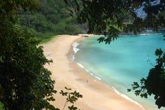 Sancho海滩在费尔南多・迪诺罗尼亚群岛,巴西 图库摄影