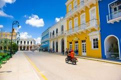 SANCTI SPIRITUS KUBA, WRZESIEŃ, - 5, 2015: Łacina zdjęcia stock