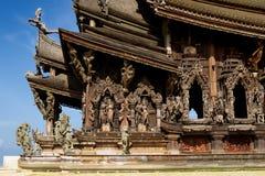 Sanctuaire en bois de Pattaya de sculpture de la vérité Thaila Images libres de droits