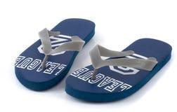 Sandálias azuis da praia isoladas Foto de Stock Royalty Free