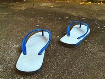 Sandálias brancas fotografia de stock royalty free