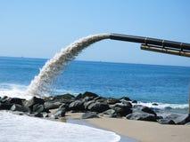 Sandöverföringspump royaltyfria bilder