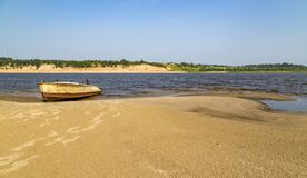 Free Sand Beach. Boat On The Shore. Royalty Free Stock Image - 175055516
