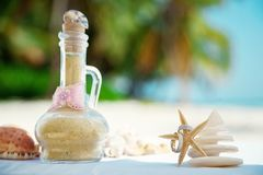 Sand ceremony and starfish rings stock photography