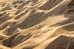 Sand eines Strandes mit Mustern stockbild