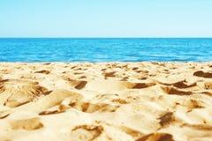 Sand på stranden arkivbild