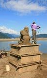 Sand-Skulptur, die gesprüht wird Stockfotos