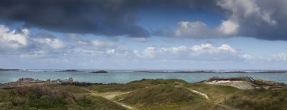 Sand umfasste deutsches Bunkerteil des Atlantikwalls, Bretagne, Lizenzfreie Stockfotografie
