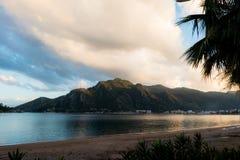 Sand und Meer auf horizontaler Abbildung Lizenzfreie Stockbilder
