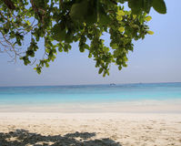 Sand und Meer auf horizontaler Abbildung Lizenzfreies Stockbild