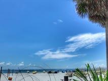 Sand und Meer auf horizontaler Abbildung Stockfoto