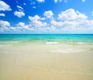 Sand und Ozean lizenzfreies stockbild