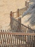 Sand-Zaun Pattern bei SandHarbor stockfoto