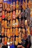 Sandały dla sprzedaży w Medina Essaouira Fotografia Stock