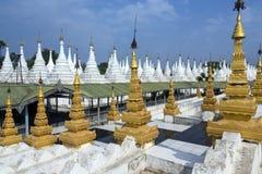 Sanda Muni świątynia Mandalay, Myanmar - Obraz Stock