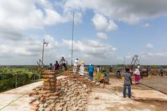 Sandahiru Seya bajo construcción en Anuradhapura, Sri Lanka foto de archivo