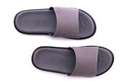 Sandale en cuir grise images stock
