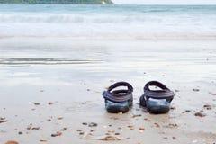 Sandaler på havet stranden Fotografering för Bildbyråer
