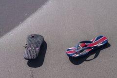 Sandaler som tvättas upp Royaltyfri Foto