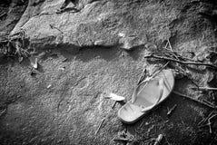 Sandales après inondation de l'eau Photographie stock libre de droits