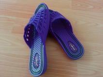 Sandales de dames ou chappal pour le port occasionnel à la maison images stock