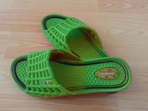 Sandales de dames ou chappal pour le port occasionnel à la maison photo libre de droits