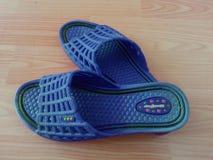 sandales de dames ou chappal pour le port occasionnel images libres de droits