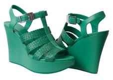 Sandales vertes de plate-forme Image stock