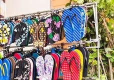 Sandales vibrantes de bascule électronique d'été Images libres de droits