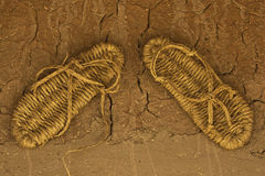 Sandalias de la paja Foto de archivo libre de regalías