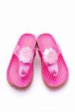 Sandalias rosadas del verano de la muchacha Imagen de archivo