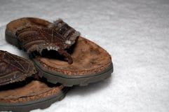 Sandals in de Sneeuw royalty-vrije stock fotografie