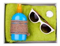 sandals för sand för omslag för påsestrand inställda uppblåsbara Arkivbilder