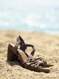 Sandals op Strand Royalty-vrije Stock Foto's