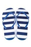 Sandals van het strand geplaatst die op een witte achtergrond wordt geïsoleerde Stock Afbeelding