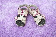 sandalssommar för barn s Arkivbild