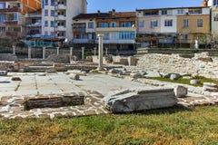SANDANSKI, BULGARIE - 4 AVRIL 2018 : Ruines de complexe chrétien tôt dans la ville de Sandanski, photographie stock