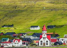 Sandavagur stad, Vagar ö, Faroe Island fotografering för bildbyråer