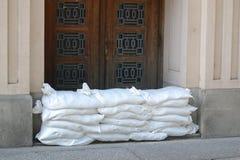 Sandbags προστασίας πλημμυρών τοίχος Στοκ Φωτογραφίες