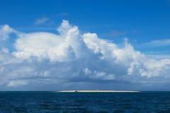 Sandbank-Insel lizenzfreie stockbilder